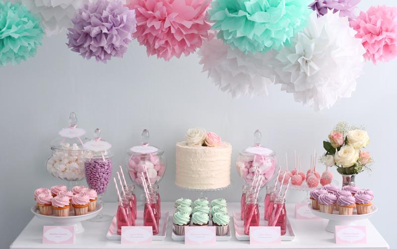 09884aa95 Artículos de papelería para estas mesas dulces como banderines, con el  nombre del homenajeado, una frase que tenga importancia para nosotros, un  mensaje que ...