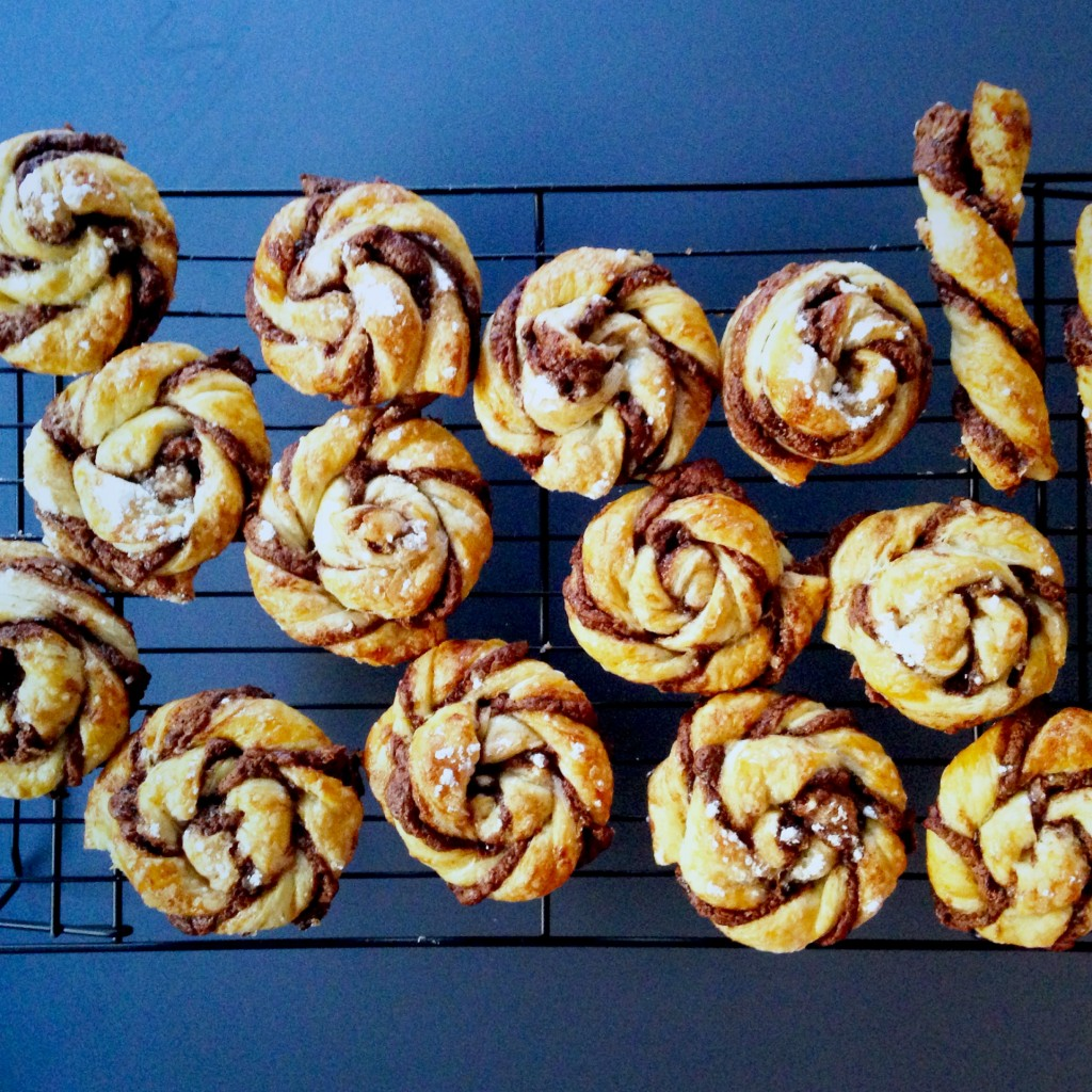 caracolas de hojaldre y nutella