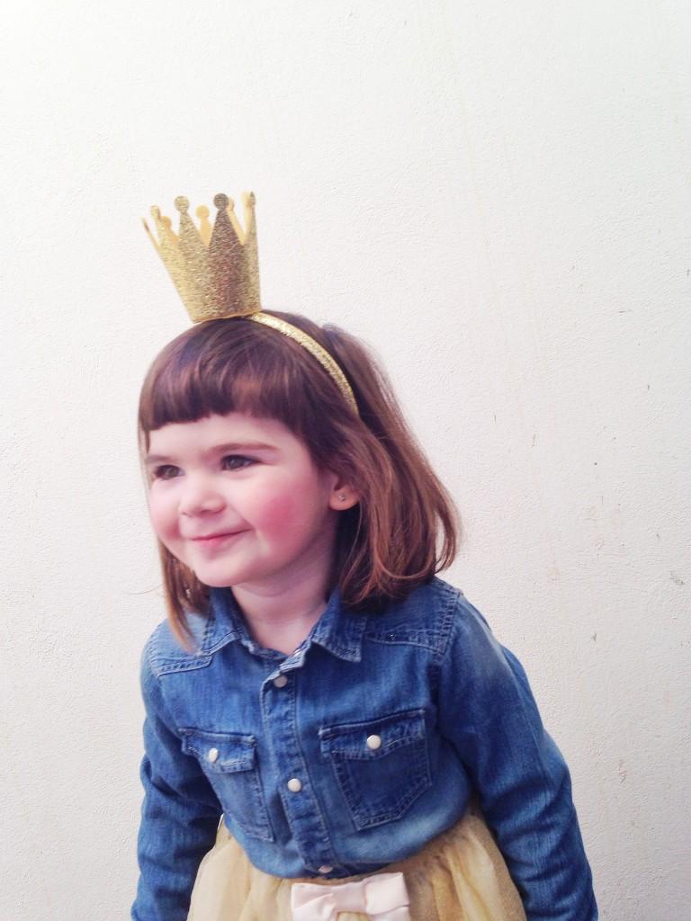 disfraz de princesa con corona de h&m