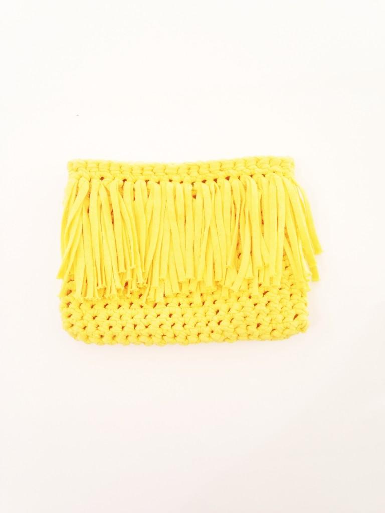 C mo hacer un bolso de trapillo tipo clutch el bigote y for Bolso crochet trapillo