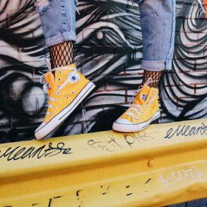 zapatillas-converse-amarillas-sneakers
