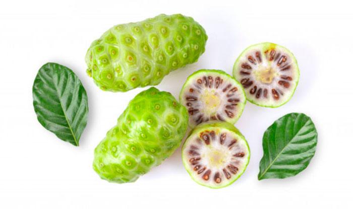 Fruta del noni cosmetica natural, ingrediente estrella