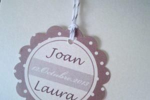 Unas etiquetas para detalles de boda muy elegantes
