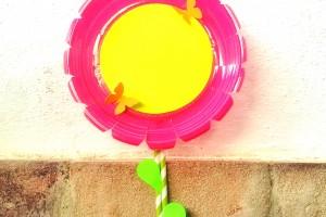Cómo hacer una flor con materiales reciclados
